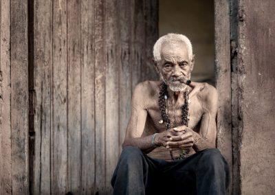 Mann in Kuba mit einer Zigarre